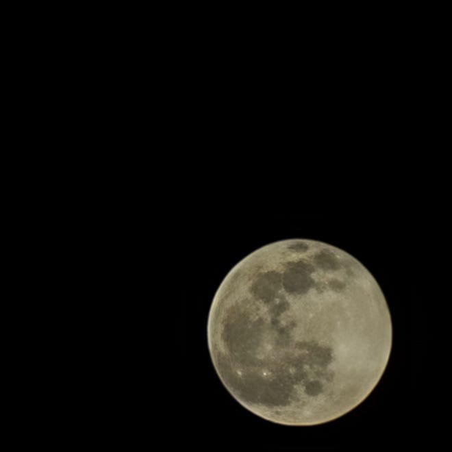 A photo of the full moon on Jan. 28, 2021, with the Samsung Galaxy S21 Ultra smartphone.