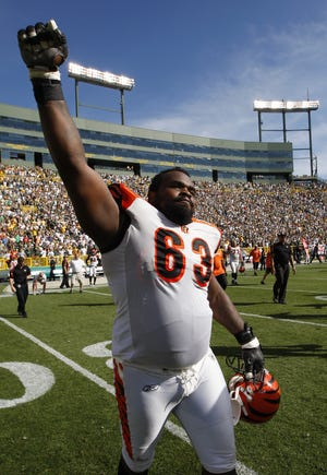 In 2004, the Bengals signed Bobbie Williams, who had started 11 games for the Philadelphia Eagles the previous season, as a free agent and he solidified the right guard position for eight seasons.