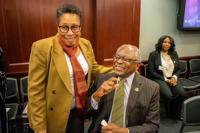 Reps. Marcia Fudge, D-Ohio, and James, Clyburn, D-S.C., chat at a whip meeting, March 28, 2019. Clyburn is the House majority whip. (Photo courtesy of the office of South Carolina Rep. James Clyburn.)