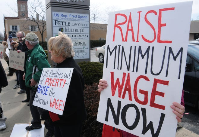 Ohio lawmakers are modeling their proposal to raise the minimum wage to $15 an hour off a Florida ballot initiative.