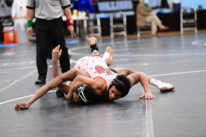 La Salle's Casey Wiles tops Israel Petite of Nordonia on his way to the 132-pound semifinals at the 2021 OHSAA State Wrestling Championships, March 13, 2021.