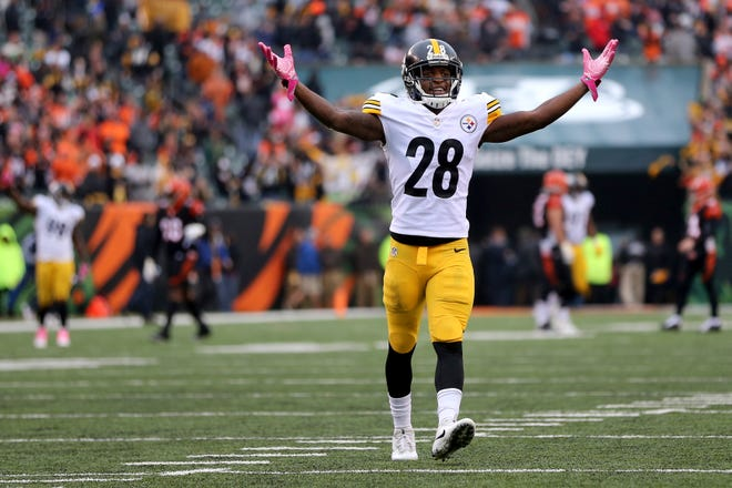 Pittsburgh Steelers cornerback Mike Hilton (28) reacts to the win as the fourth quarter ends during the Week 6 NFL game between the Pittsburgh Steelers and the Cincinnati Bengals, Sunday, Oct. 14, 2018, at Paul Brown Stadium in Cincinnati. The Pittsburgh Steelers won 28-21.